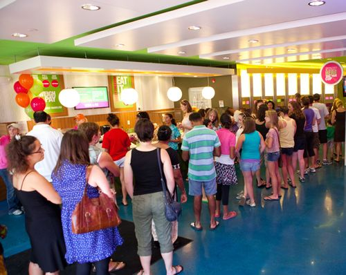 16 Handles Frozen Yogurt Expands to Miami; First Store to Open on Popular Lincoln Road