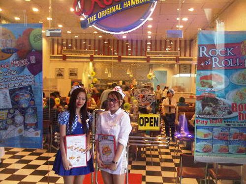 Sixth Johnny Rockets Restaurant in the Philippines Opens at Harbor Point