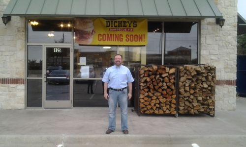 Mansfield Welcomes New Dickey's Barbecue Pit