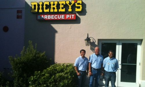 Dickey's Barbecue Brings Flavor to Fort Myers