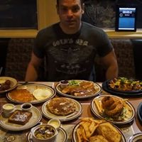 Competitive Eater Mauls His Way Through Entire Hobbit Menu at Denny's