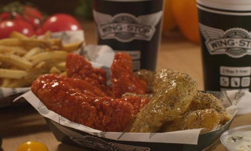 Chicken Wings Take Flight on Super Sunday