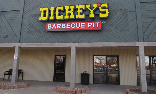 Colorado Heats up with Dickey's Pit-Smoked Barbecue