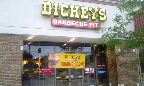 Dickey's in Valparaiso Kicks Up Their Heels for Three Day Event