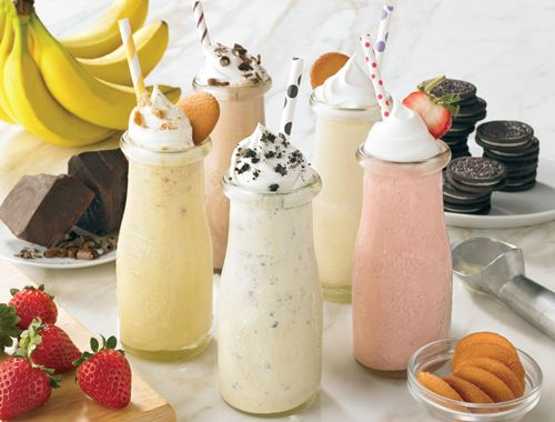 Outback Steakhouse Plays it Cool this Summer, Unveils New Mini Milkshakes