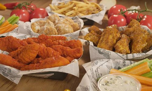 Wingstop Opens 25th Chicagoland Restaurant