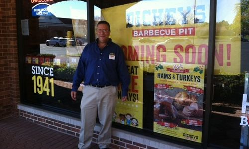 Dickey's Barbecue Celebrates New Glenview Location