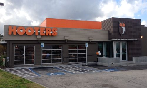 Hooters Reopens Five Texas Locations with New Contemporary Design