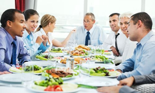 Dinova: Midsize Companies Spending More at Restaurants