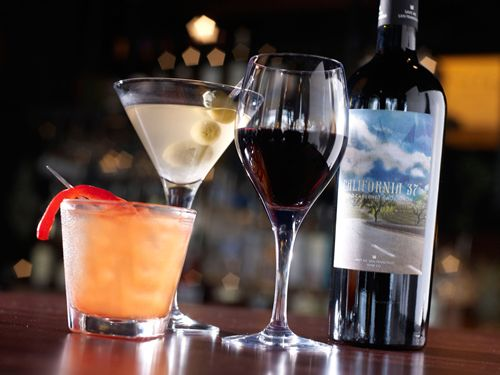 Bar Louie Celebrates 2 Years in The Woodlands with 2-day Event