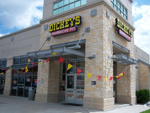 Dickey's Barbecue Kicks off National Barbecue Month with 400th Restaurant