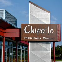 Panera, Chipotle, and the Upstarts Nibbling Away at the Restaurant Giants
