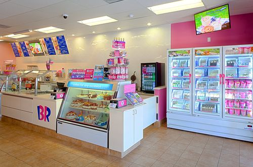 Baskin-Robbins Honors Burbank Franchisee With Franchisee of the Year Award & New Ice Cream Shop