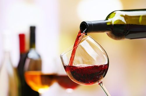 Top Wines to Add to the Menu for Cooler Weather