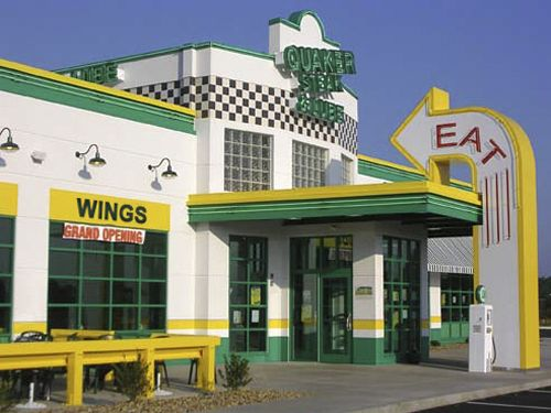 Quaker Steak & Lube Awards Lube it up as 2014 Franchisee of the Year