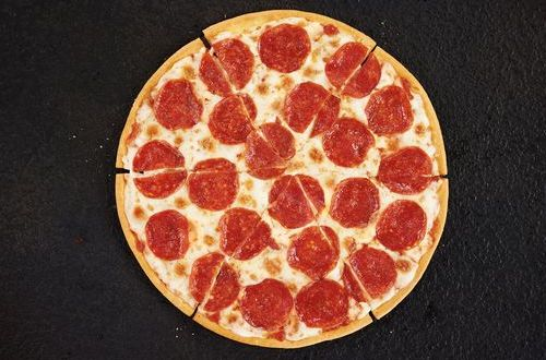 Pizza Hut Gives Gluten-Free Customers All the Flavor, None of the Gluten