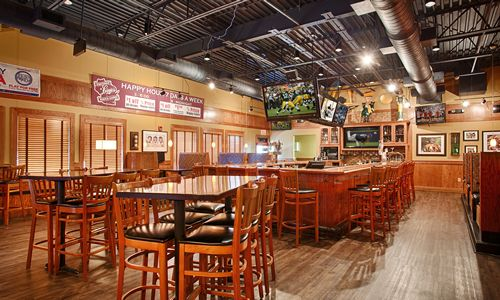 Ground Round Grill & Bar in Neenah, WI Receives National Recognition as 2014 Restaurant of the Year
