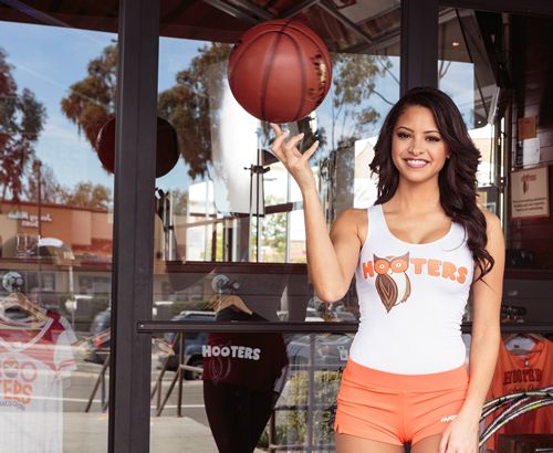 "Hooters Hooks Up Hoops Fans With ""Hooky Adventures"""