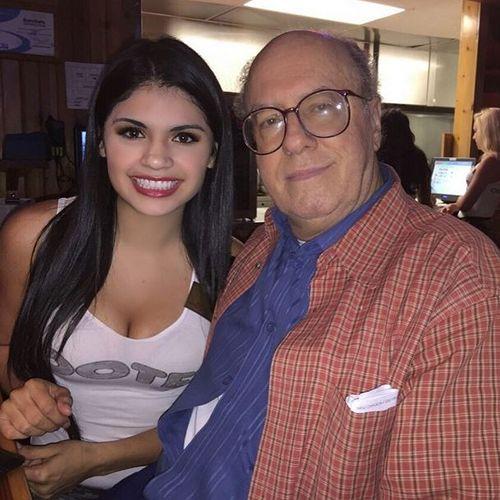 Hooters $20k Donation to National Kidney Foundation Honors Hero Hooters Girl Mariana Villarreal