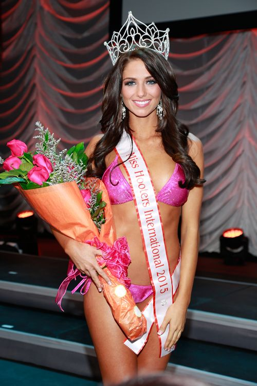Meagan Pastorchik Crowned 2015 Miss Hooters International