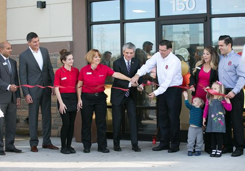 Virginia Beach Huddle House Holds VIP-filled Grand Opening Celebration