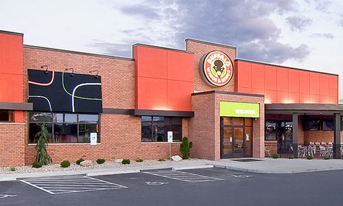 Buffalo Wings & Rings Provides Families with Club-Level Restaurant Experience