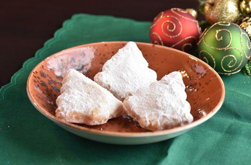El Fenix Adds Free Sopapillas to Christmas Weekend Menu