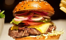 Burger & Lobster to Open in One Bryant Park