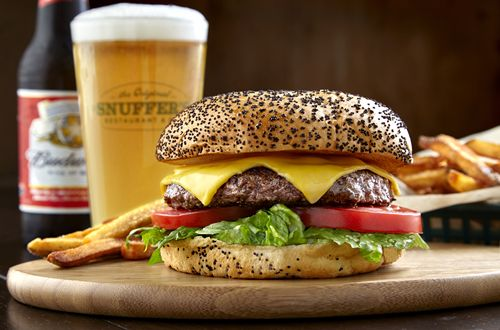 Snuffer's Brings Legendary Burgers and Cheddar Fries to Richardson