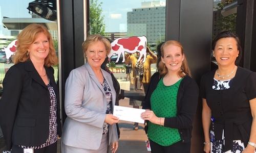 Zinburger Wine & Burger Bar Raises $10,000 for The Foundation for Fairfax County Public Schools