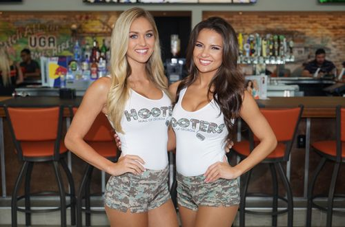 Military Eat Free at Hooters on Veterans Day