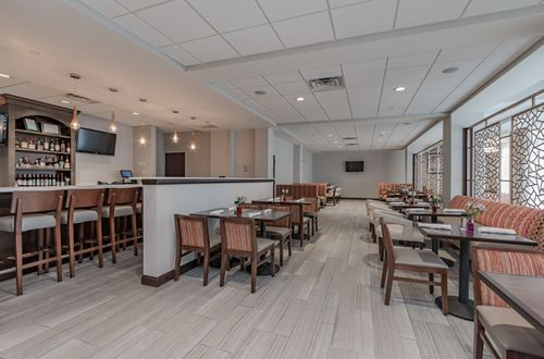 New Restaurant and Full Service Hotel in Mishawaka-South Bend, Indiana