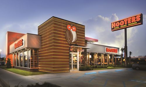 Hooters Unveils New Restaurant in Harlingen
