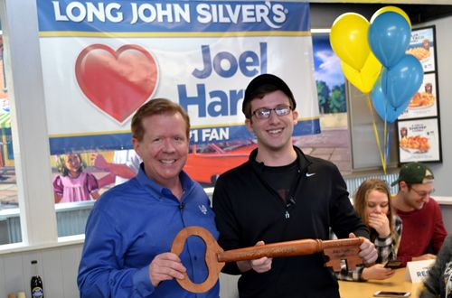 America's Largest Quick-Service Seafood Restaurant Celebrates Local College Student and Long John Silver's Fanatic during Surprise Lunch with CEO