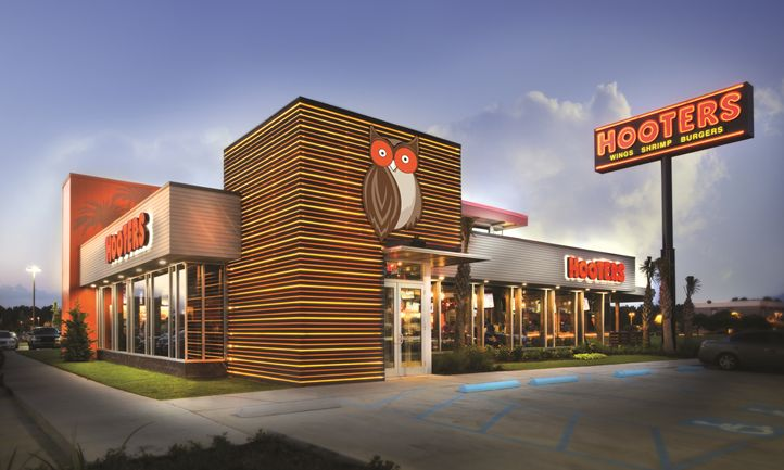 Hooters Unveils New Location in San Antonio