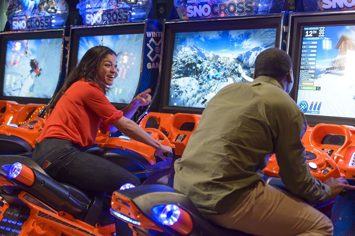 Main Event Entertainment Launches Friday Night FUN and Games
