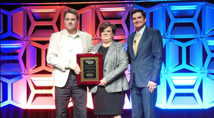 1851 Franchise Reports: Buffalo Wings & Rings Multi-Unit Franchisees Todd and Audra Fetter Win Influencer Award for Husband & Wife Team from Multi-Unit Franchisee Magazine