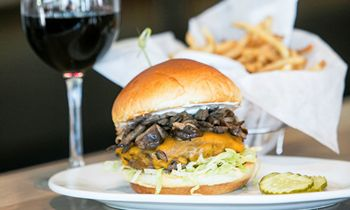 New Zinburger Wine & Burger Bar in Edison To Host Job Fair June 2 – June 13
