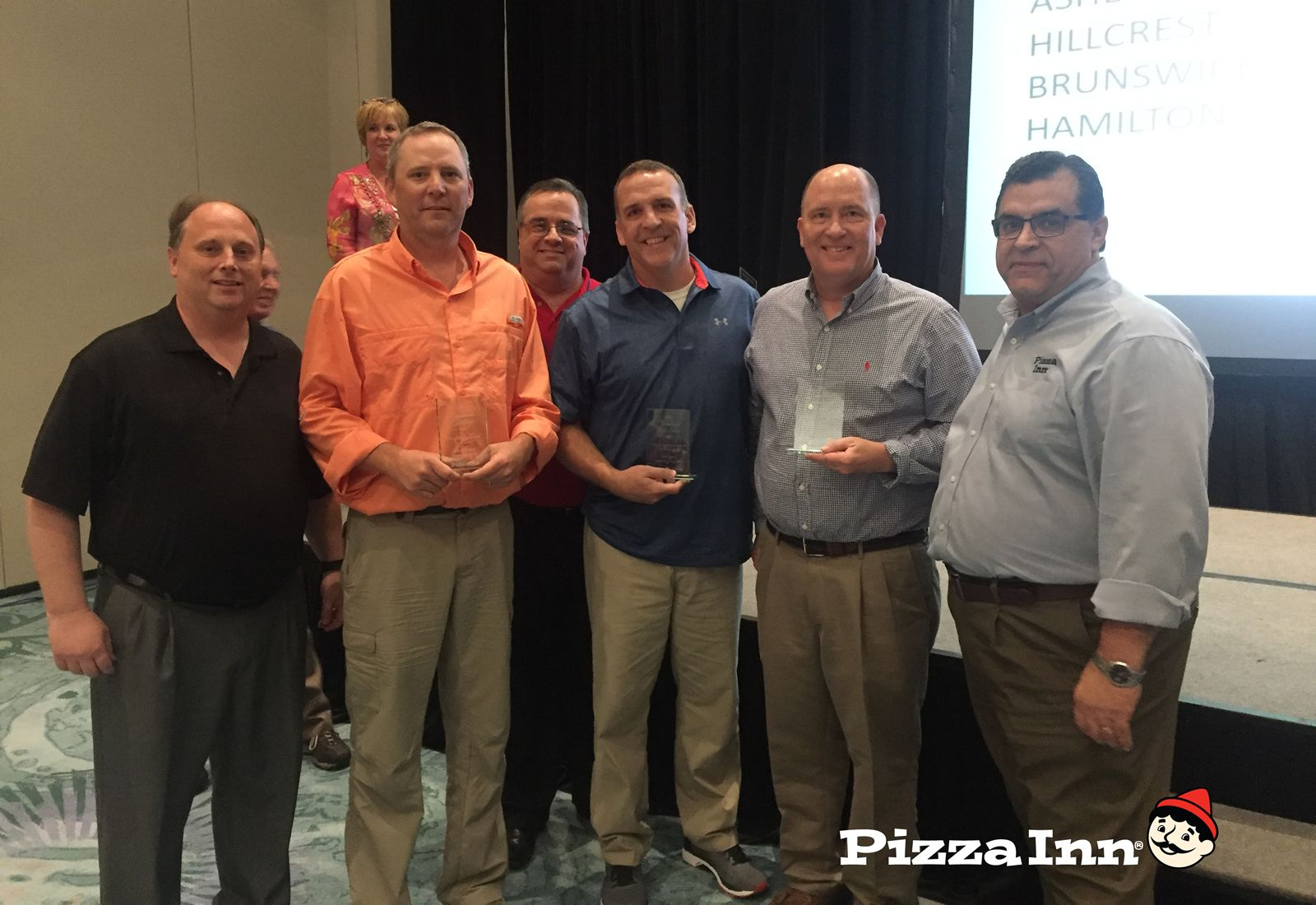 Pizza Inn Names Top Franchisees At Brand Convention