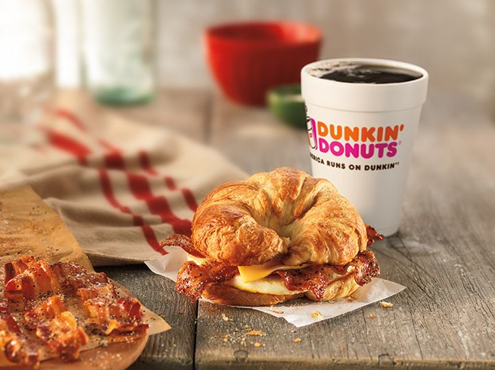Happy Holidays For Bacon Lovers: Dunkin' Donuts Brings Back The Sweet Black Pepper Bacon Breakfast Sandwich