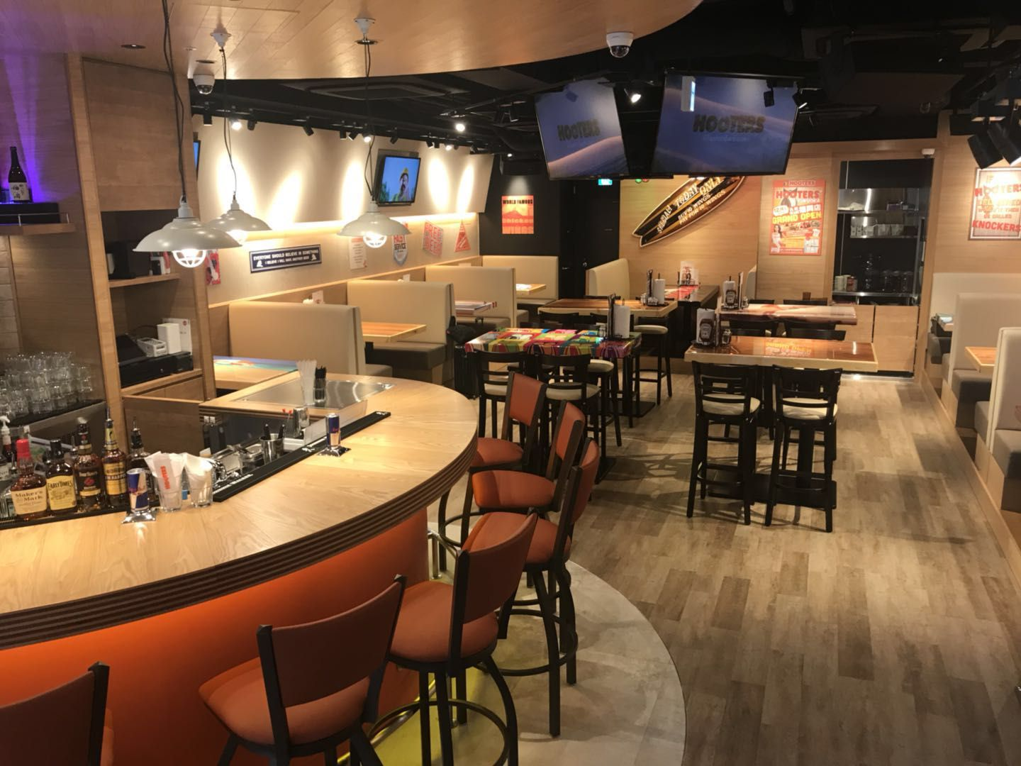 Hooters Continues Growth in Japan with Fukuoka Location