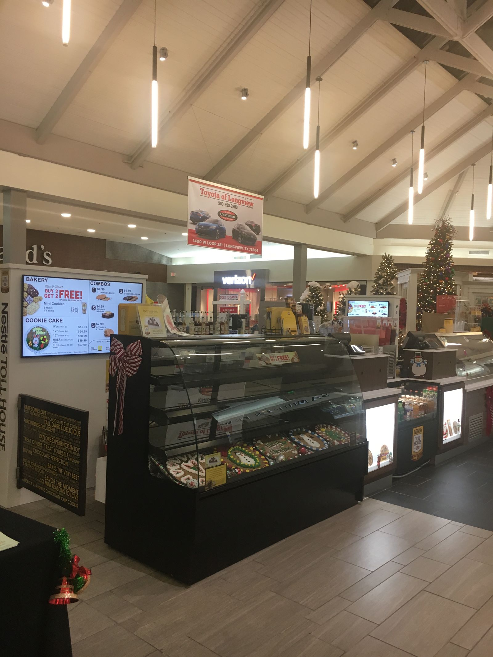 Longview Welcomes 1st Nestlé Toll House Café by Chip