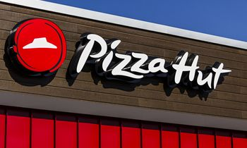Pizza Hut Testing Booze Delivery