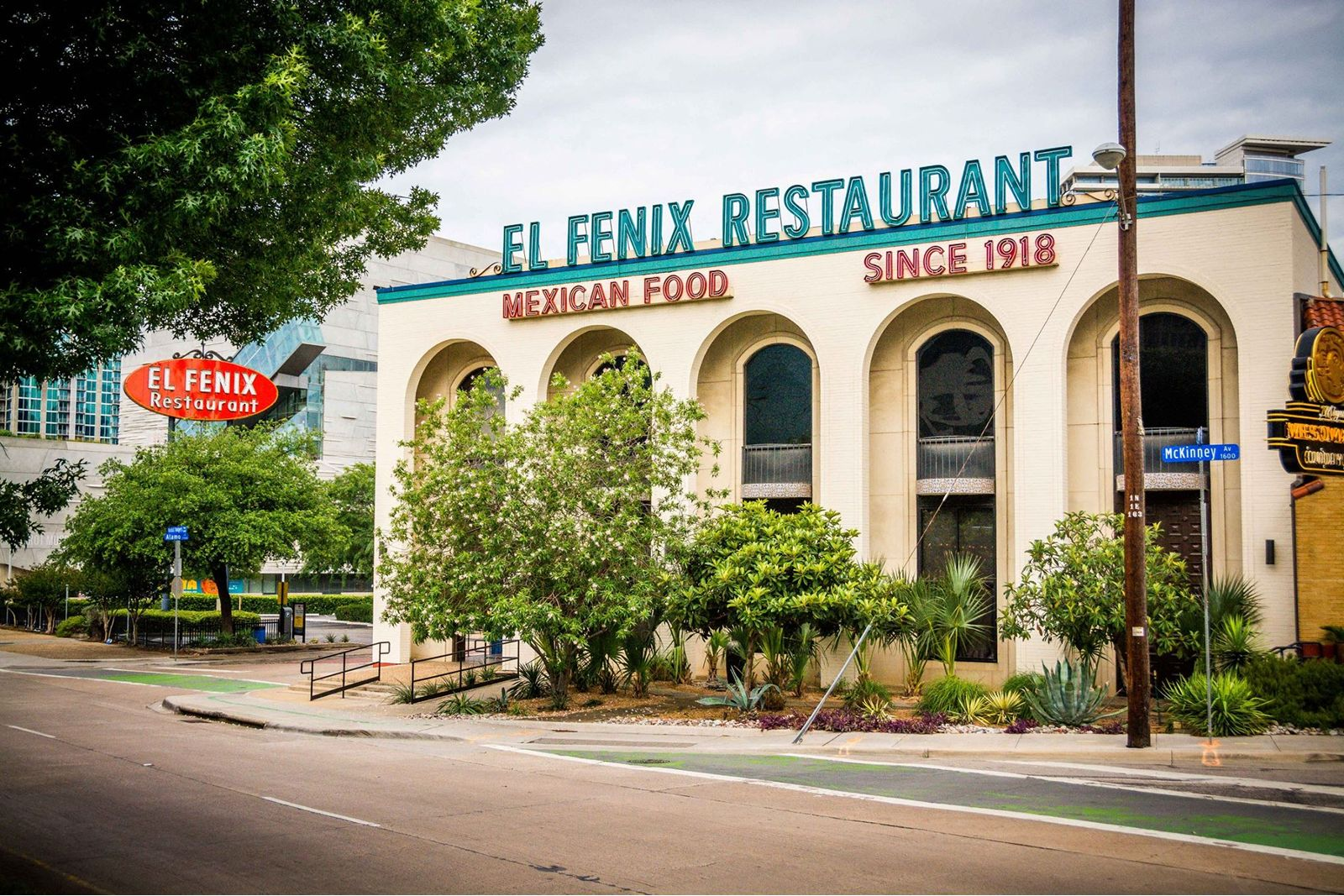 El Fenix Celebrates a Century of Tex-Mex
