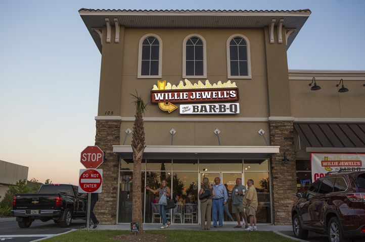 Willie Jewell's Old School Bar-B-Q Grand Opening March 14, 2018