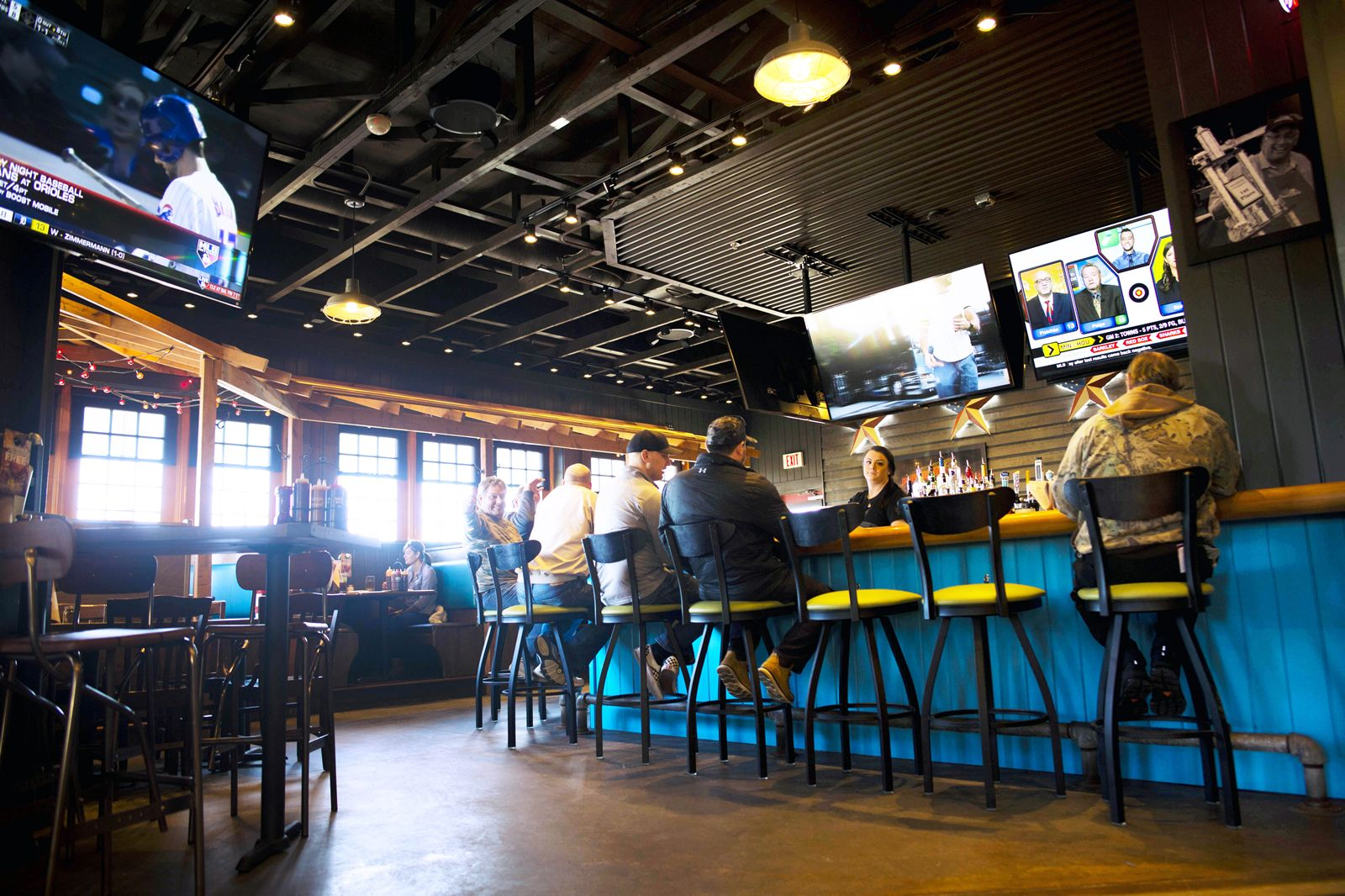 Famous Dave's Introduces Revamped Menu, Sleeker Model, and Technology Innovation