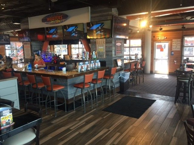 Hooters Brings New, Contemporary Design to Jacksonville Landing Location
