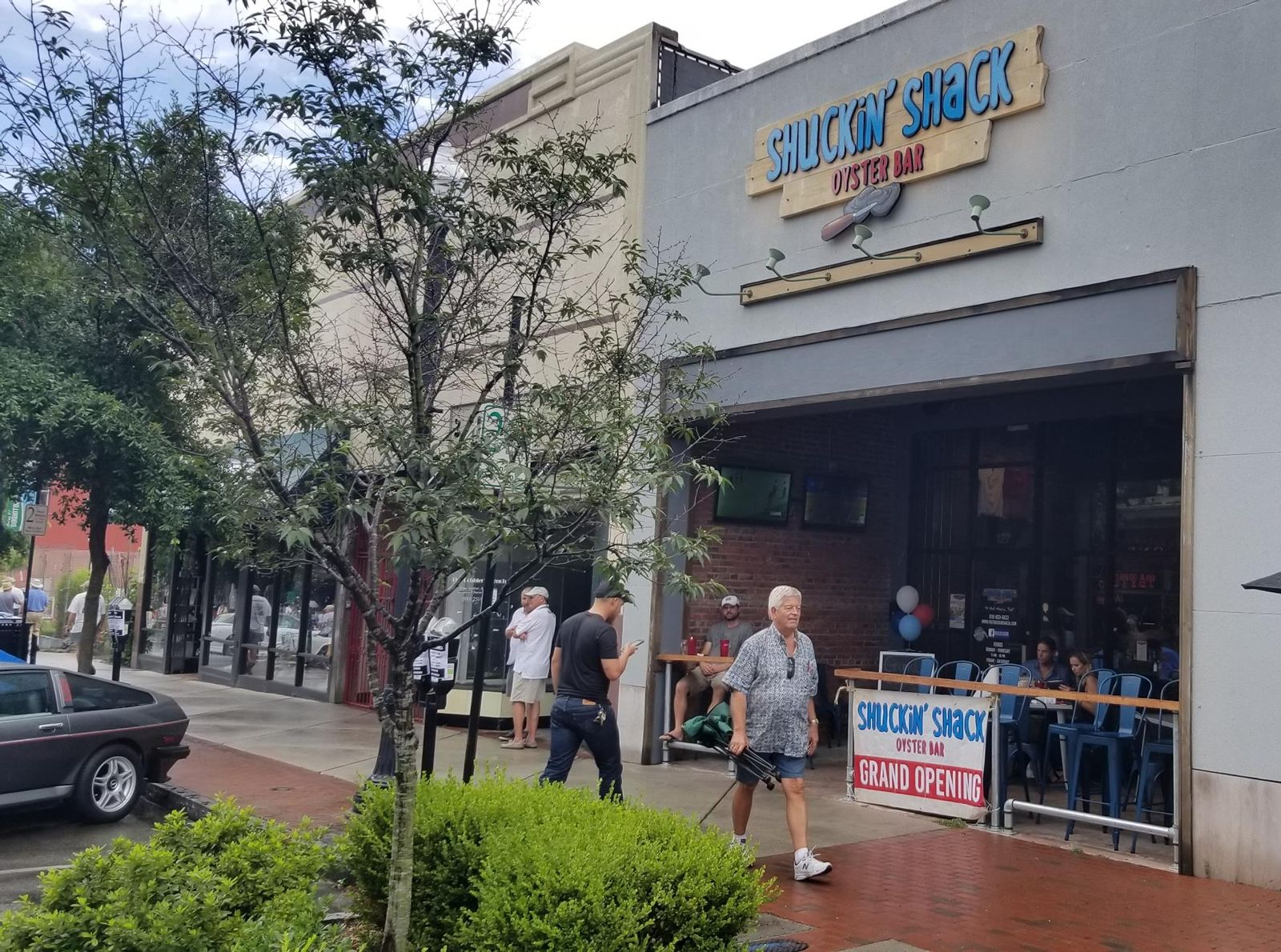 Shuckin' Shack Oyster Bar Franchise Moving to the Midwest