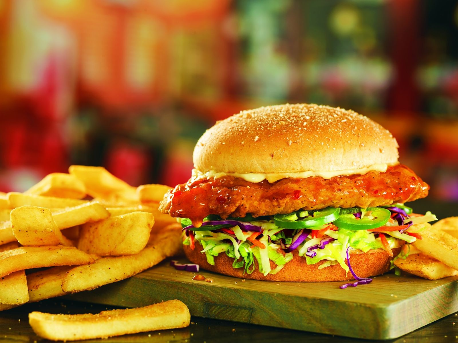 Red Robin Gourmet Burgers and Brews Introduces Un-Beer-Lievably Delicious Bottomless Hop-Salt Fries and New Island Heat Crispy Chicken