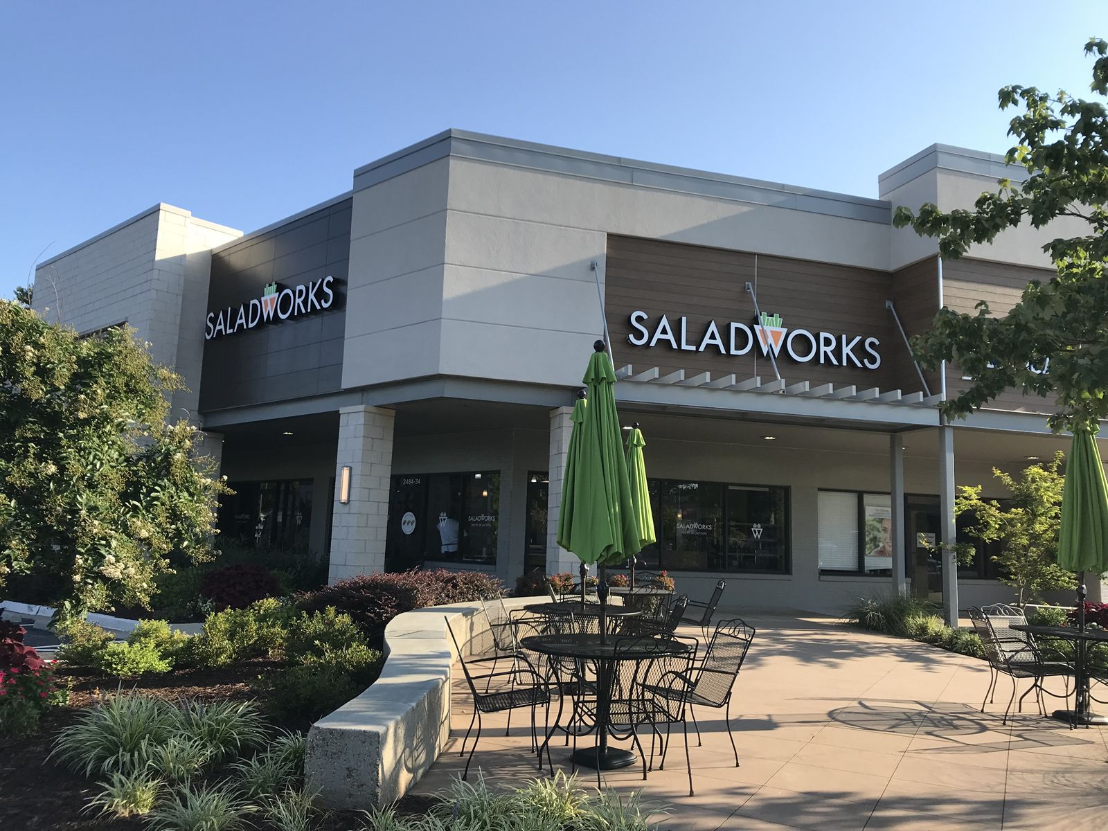 Saladworks, the Nation's Leading Salad-Centric Franchise Brand, Opens First Atlanta Location